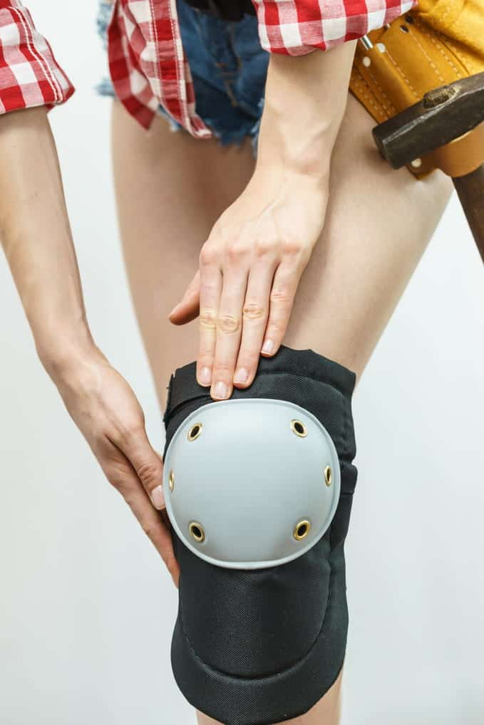 How to Wear Construction Knee Pads