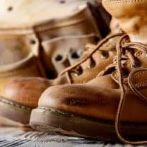 how to clean smelly work boots